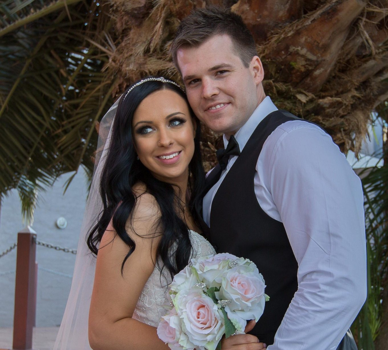 Wedding couple Palmtree photo
