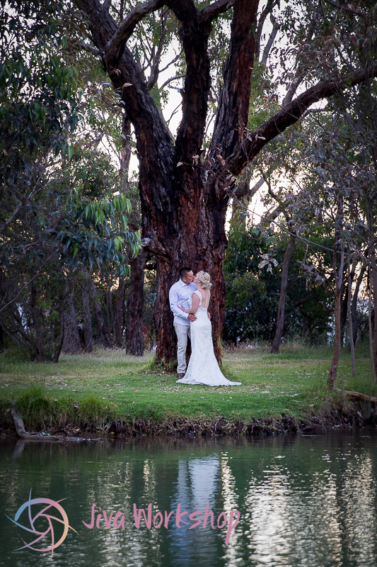 Nature wedding couple