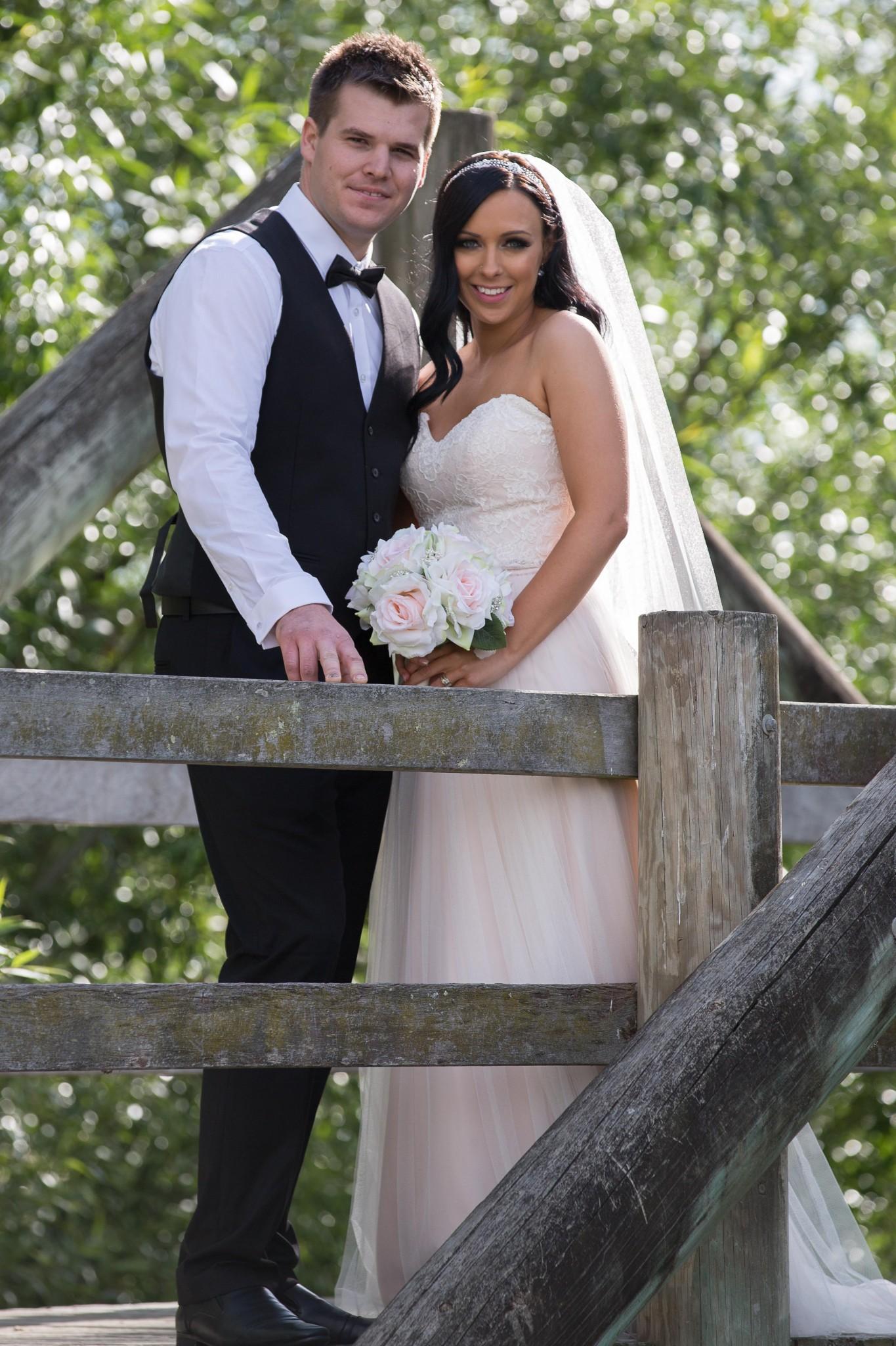 Wedding Couple Bridge Photo